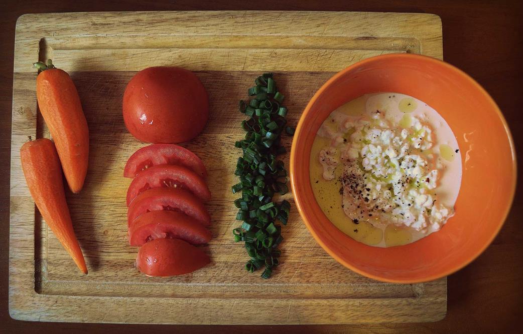 Картофельные драники с колбасой, чесноком и укропом