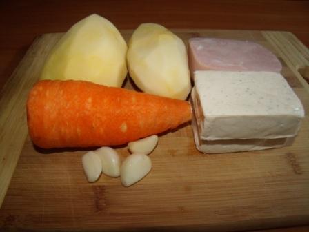 aromatnyj syrnyj sup s vetchinoj i chesnokom 2
