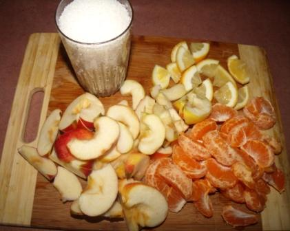 кompot iz mandarinov i jablok