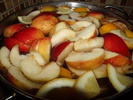 кompot iz mandarinov i jablok 1