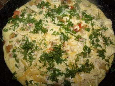 sytnyj omlet s kolbasoj i pomidorom 5