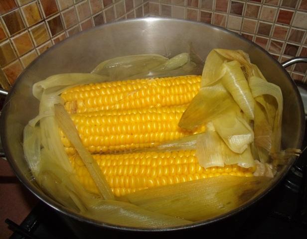 kak varit kukuruzu v pochatkah 1