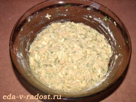 oladi iz kurinogo farsha s syrom i zelenju 2