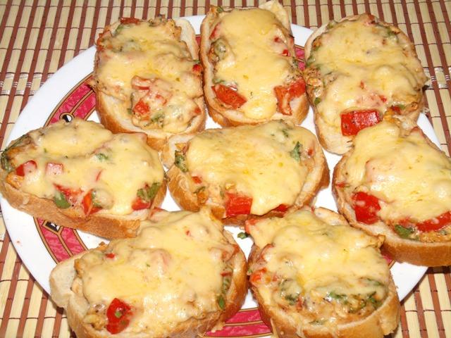 рецепты горячих бутербродов на сковороде с помидорами